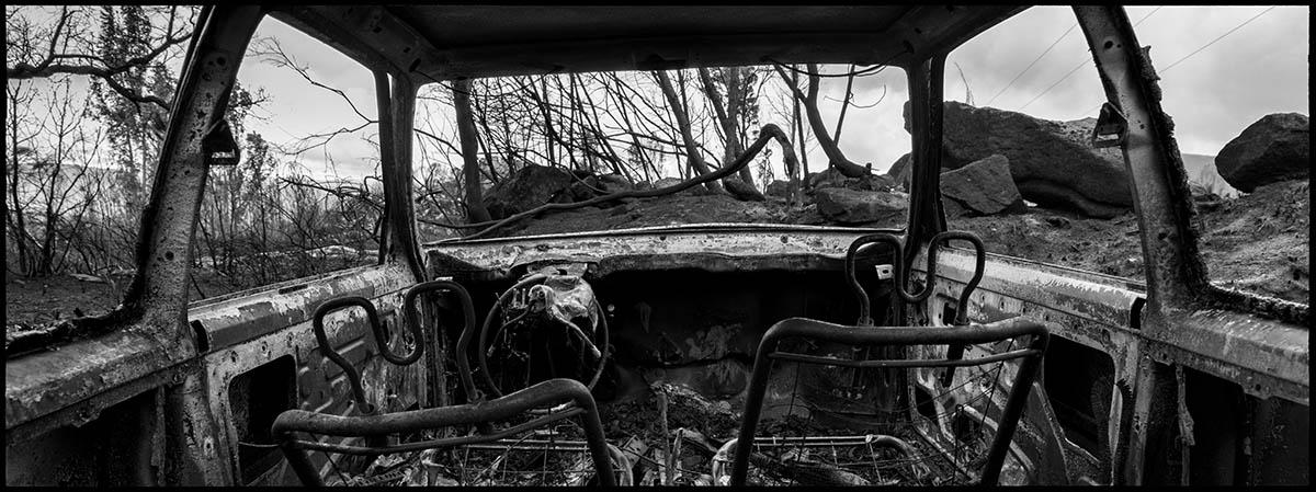 Restos de un coche calcinado en el municipio del Melón. Provincia de Ourense