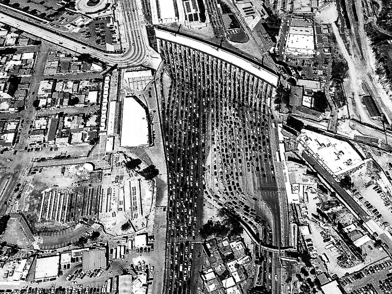 Imagen satelital de la frontera entre Mexico y EEUU. Cruze fronterizo de Tijuana - San Diego